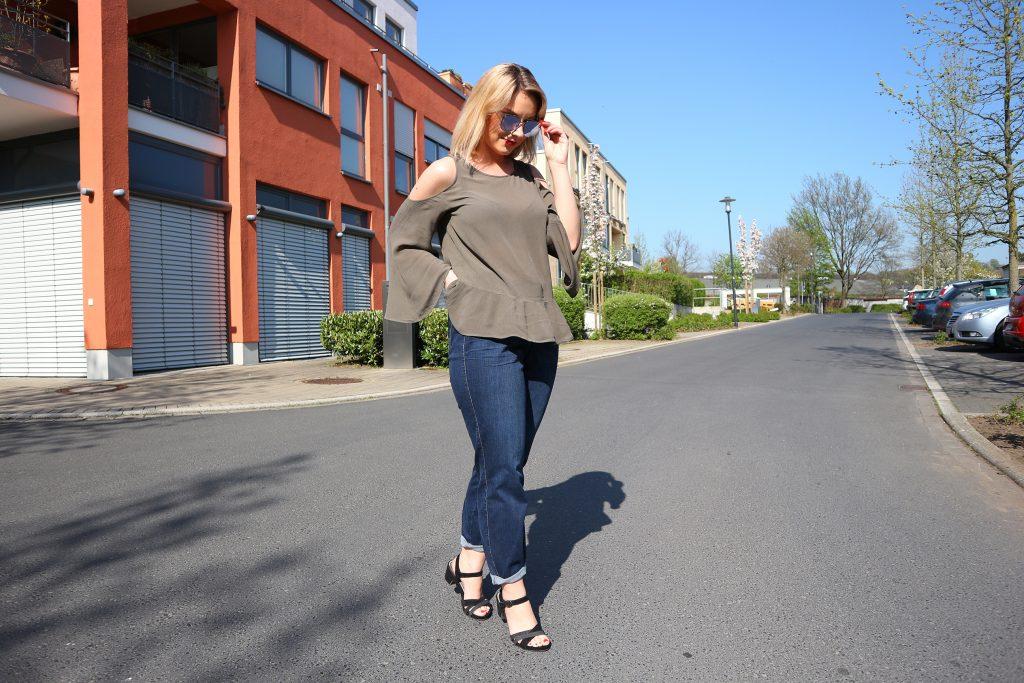 Ein Outfit mit der Lily Super Slim Powerdenim von Luna Largo